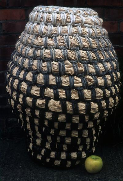 black bottom basket